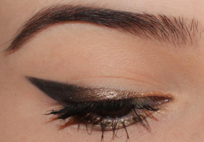 Comment r aliser un eye liner d grad la parenth se beaut - Comment mettre eye liner ...
