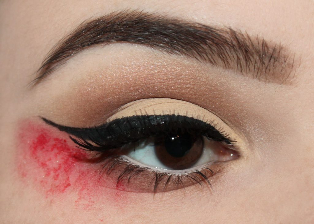 bloody-liner-1