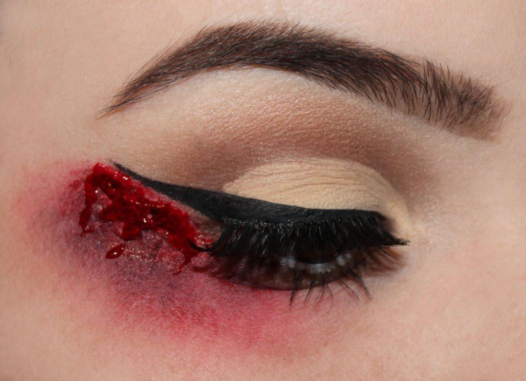 tuto-halloween-bloody-liner-2