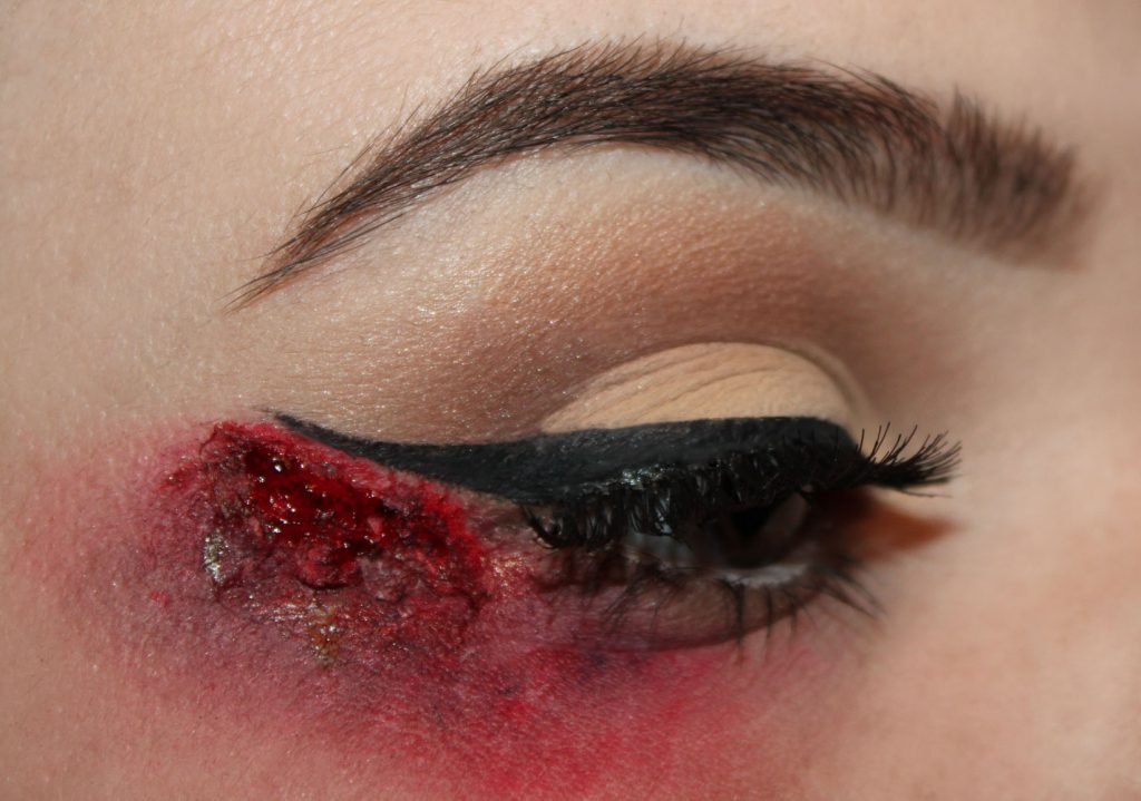 tutorial-halloween-bloody-liner