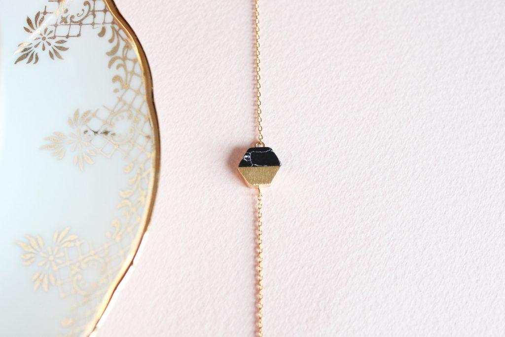 bracelet-merci-ma-jolie-hexagone-or-noir